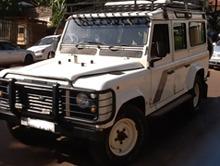 4x4-safari-landcruiser-for-hire