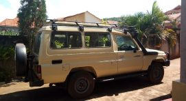 4×4 Safari Land Cruiser hire in Uganda