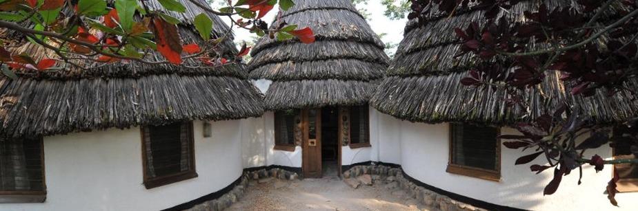 Kingfisher Lodge Kichwamba - midrange accommodation in queen elizabeth np