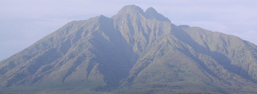 mount-sabyinyo-volcano-climbing