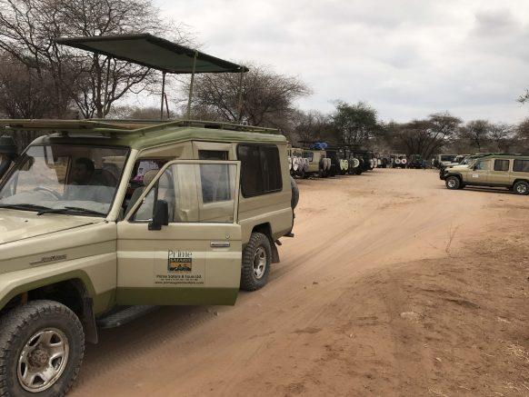 4x4 Land cruiser for a Rwanda or Uganda safari hire