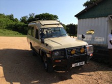4x4-safari-landcruiser-for-hire