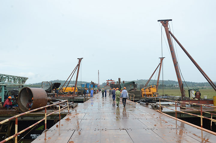 Construction-works-at-Entebbe-highway