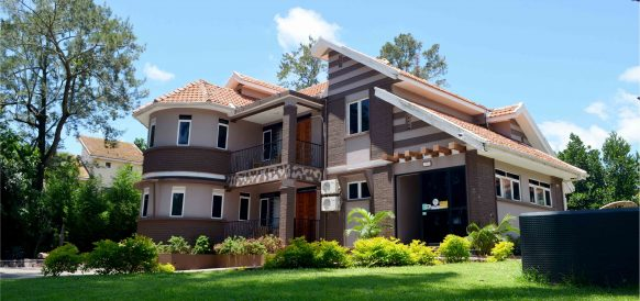 Saffron Beach Bistro & Cottages - Entebbe