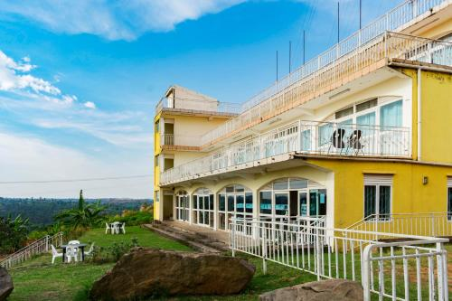 Sunrise apartments hotel - fort portal
