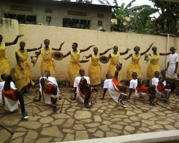 entogooro - traditional dance uin uganda