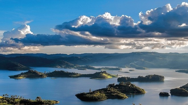 Tour Uganda's Magical Birding Safari Destination; Lake Bunyonyi
