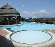 swimming pool at mweya safari lodge